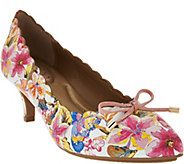 As Is Me Too Leather Scalloped Pumps with Bow Accent - Caprice - A283600