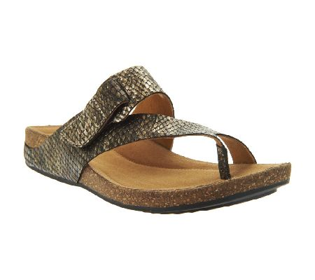 Clarks Artisan Perri Coast Leather Thong Sandals Page 1