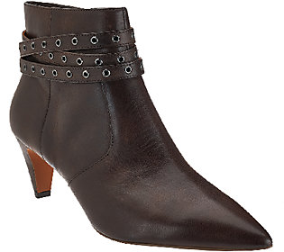 G.I.L.I. Leather Pointed Toe Ankle Boots - Kodelle