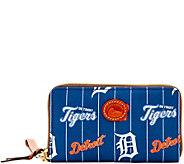 Dooney & Bourke MLB Nylon Tigers Zip Around Phone Wristlet - A281712