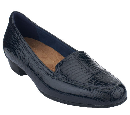 clarks artisan everyday patent leather slip on shoes timeless qvc com