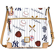 Dooney & Bourke MLB Yankees Crossbody - A280021