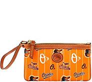 Dooney & Bourke MLB Nylon Orioles Large Slim Wristlet - A281636