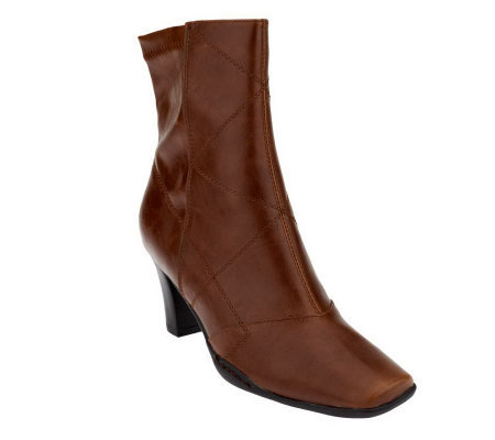 Aerosoles Cintercity Side Zip Ankle Boots w/ Stitch Detail