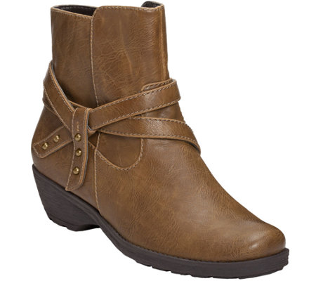 aerosoles motorcycle style ankle boots instintaneous