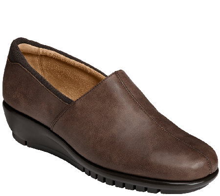 aerosoles backbend leather slip on shoes qvc