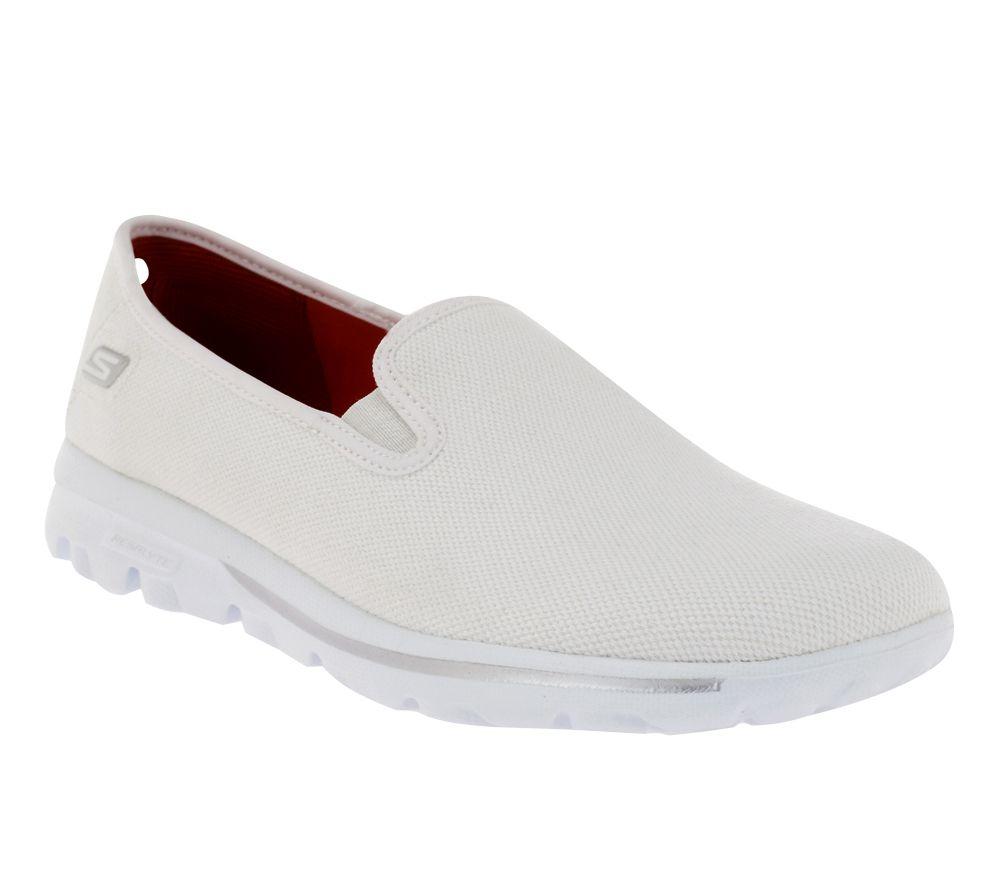 Skechers 9.5 White Slip On Sneakers