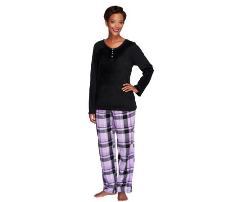 This soft and silky pajama set features a short sleeve button front top, with beautiful floral embroidery at the neckline, while the coordinating bottoms feature a comfortable elasticized waist.