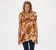 LOGO by Lori Goldstein Printed Knit Elbow Sleeve Top w/ Pockets - A306769