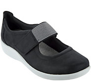 As Is Clarks Cloud Steppers Adjustable Mary Janes - Sillian Cala - A299484