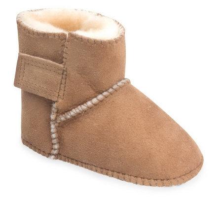 Minnetonka Infant S Genuine Sheepskin Pug Boots A241285