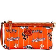 Dooney & Bourke MLB Nylon Giants Large Slim Wristlet - A281595