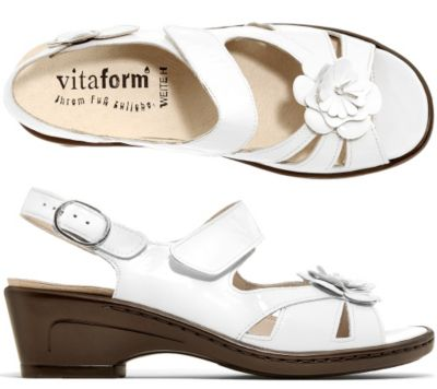 VITAFORM Sandalette Lackleder Blüten-Detail Absatz ca. 5cm