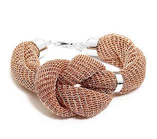 Armband mit Knoten
