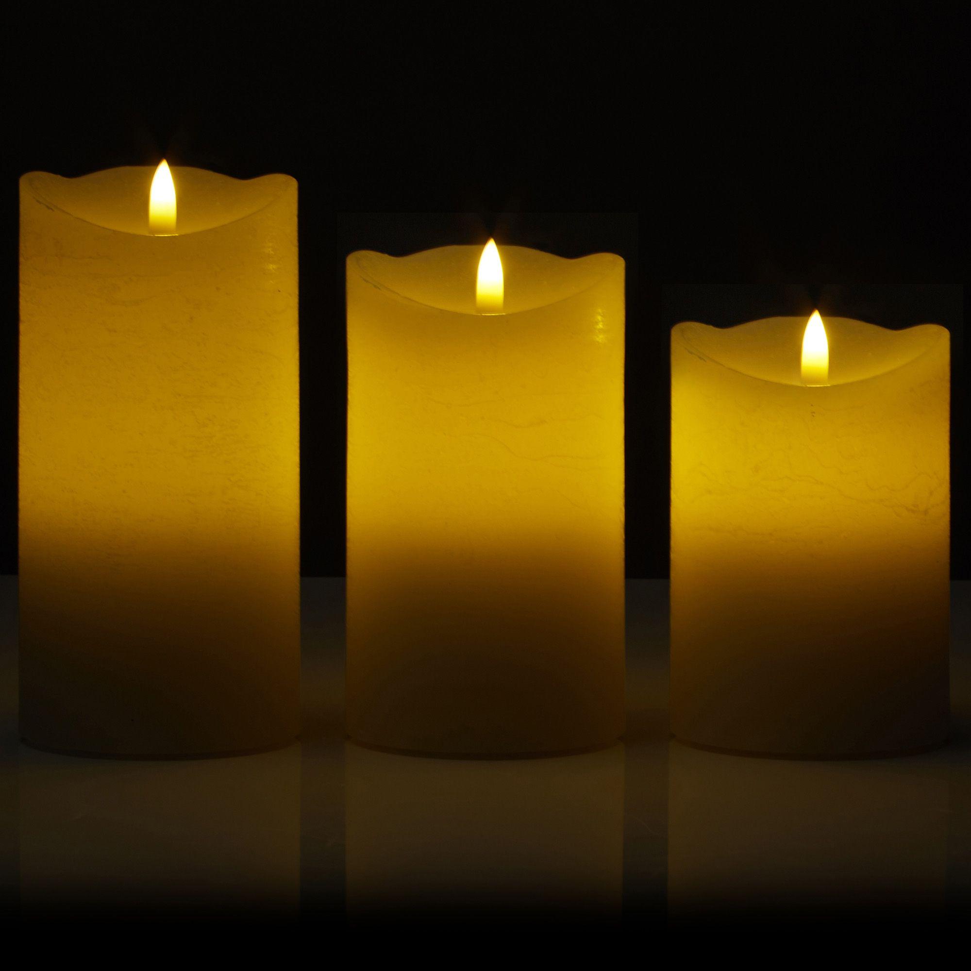 776620 Schöne Kerze Leuchtet In Verschiedenen Farben Dekorationen