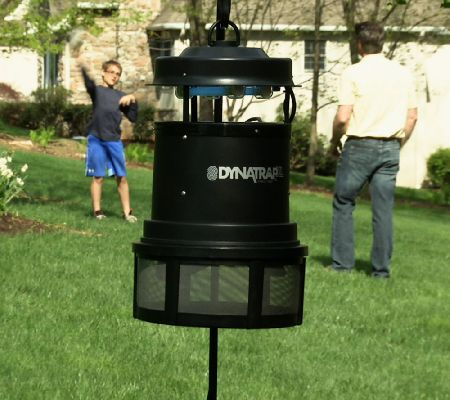 dynatrap 1 acre coverage insect trap w 2 extra bulbs page 1 u2014 qvccom