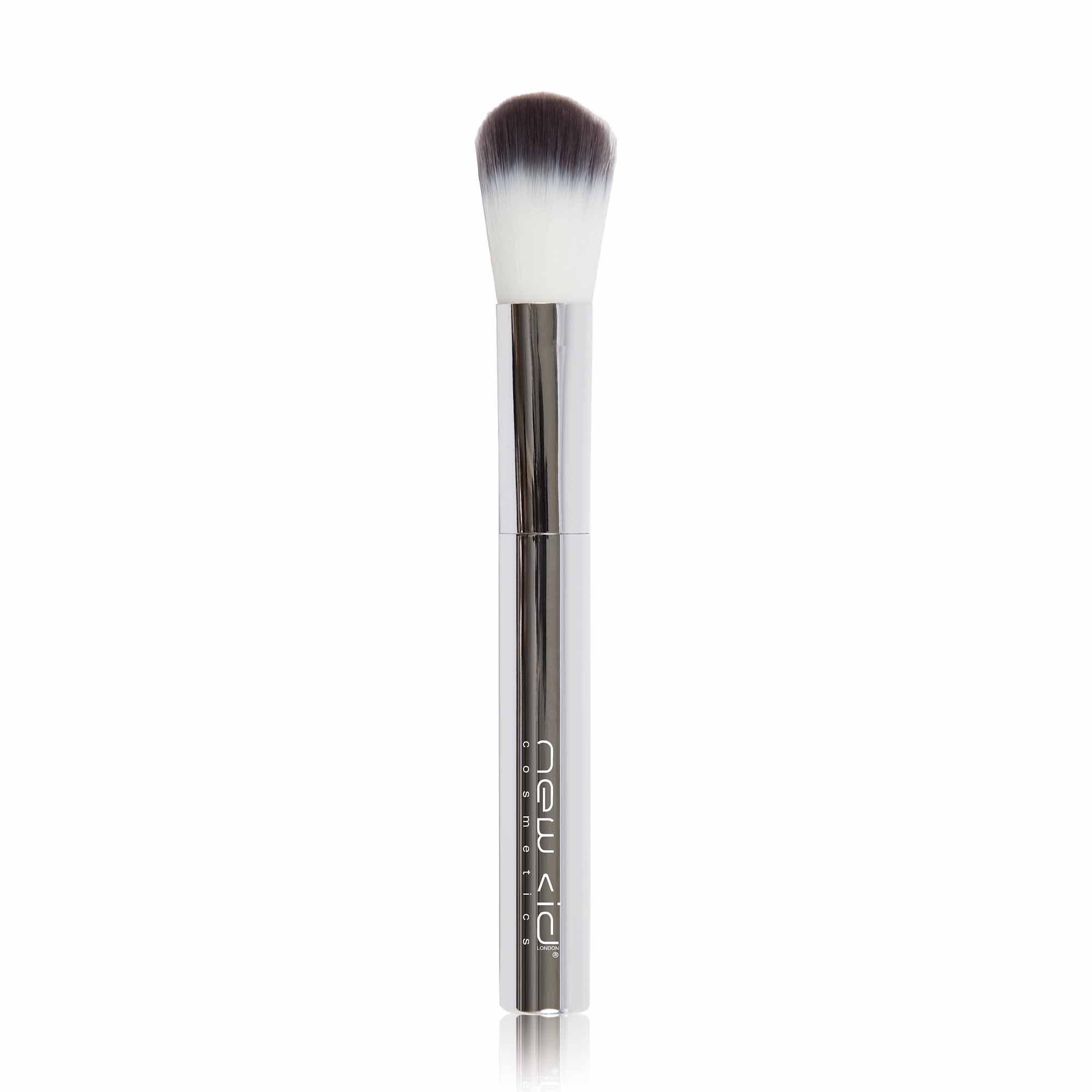 New Cid Cosmetics i-blush brush pennello dalle setole morbide con custodia