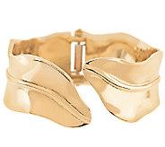 Stainless Steel Goldtone Leaf Design Bangle - J291147