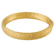 Arte dOro Average Textured Bangle Bracelet 18K, 24.0g - J110256