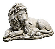 Lion and Lamb Garden Figure - M112402