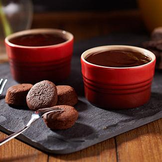 Chocolate-Cherry Port Wine Fondue