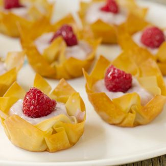 Wonton Yogurt Fruit Cups