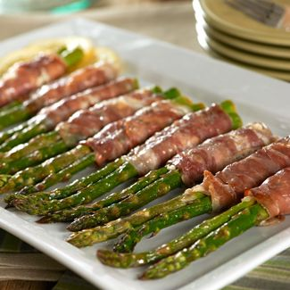 Prosciutto-Wrapped Asparagus with Goat Cheese