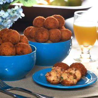 Breakfast Poppers with Grits & Bacon