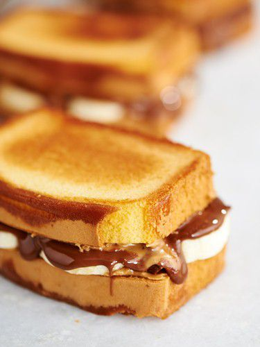 Chocolate PB&B Sandwich