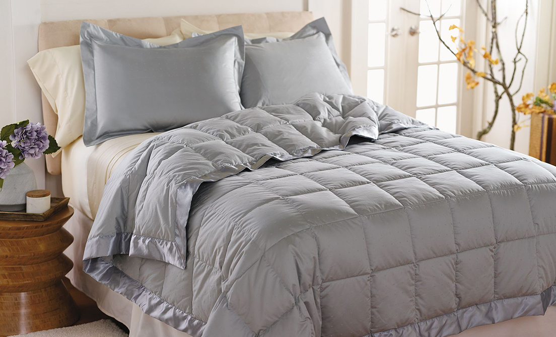 bed hypoallergenic dp size amazon best microfiber piece alternative queen white women nights down com one reversible comforters comforter quilted for northern luxury