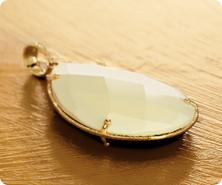 14K Gold Onyx & White Agate Reversible Teardrop Pendant