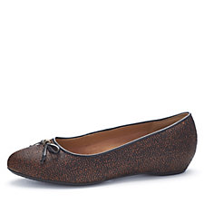 Clarks Alitay Giana Leather Classic Ballerina with Bow Wide Fit