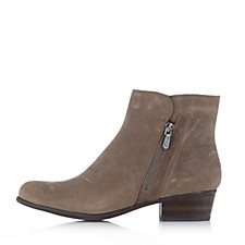 111206 - Clarks Langdon Block Heel Leather Ankle Boot
