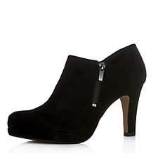 Clarks Amos Kendra Leather Heeled Bootie