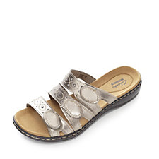 Clarks Leisa Cacti Slider Sandal with 3 Adjustable Strap Detail