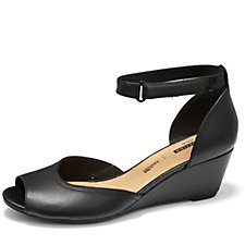 Clarks Flores Raye Shoe Standard Fit