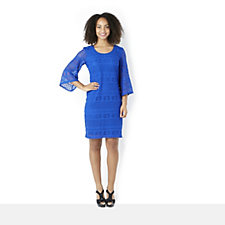 Ronni Nicole 'O So Slim' Linea Lace Bell Sleeve Shift Dress