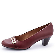 Clarks Fearne Shine Court Shoe Wide Fit