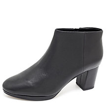 Clarks Kelda Nights Ankle Boot