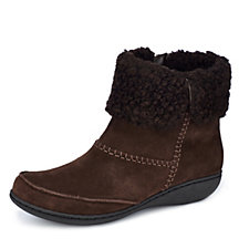 Clarks Fianna Joy Ankle Suede Boot with Cosy Cuff Wide Fit