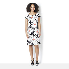 Ronni Nicole Cap Sleeve Daisy Print Dress with Key Hole Neckline