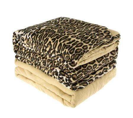 northern nights animal instinct 100 cotton flannel duvet. Black Bedroom Furniture Sets. Home Design Ideas