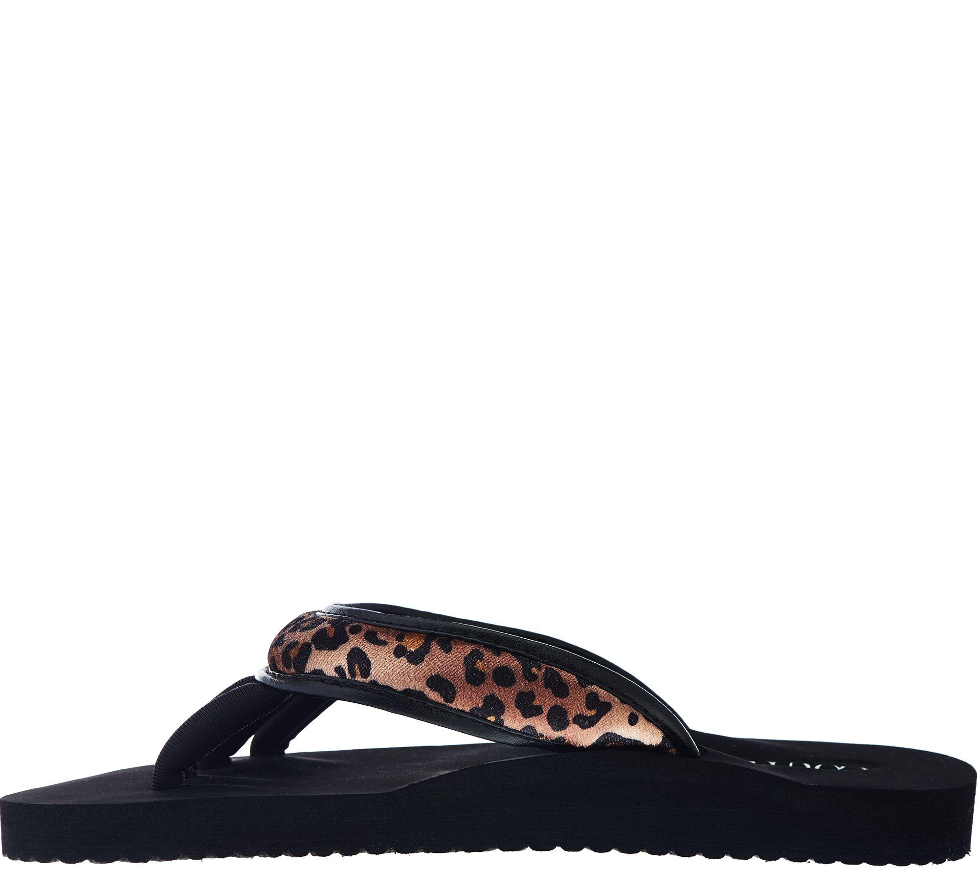 5a1b8c38f6c69 Pedi Couture On-the-Go Pedicure Sandal - Page 1 — QVC.com
