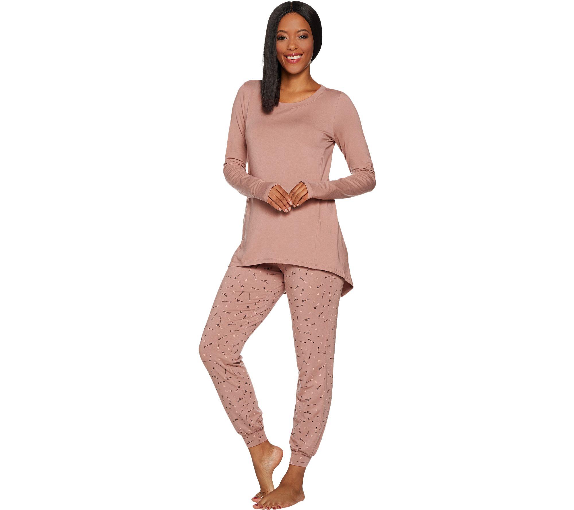0e689e06aa AnyBody Loungewear Petite Cozy Knit Novelty Print PJ Set - Page 1 ...