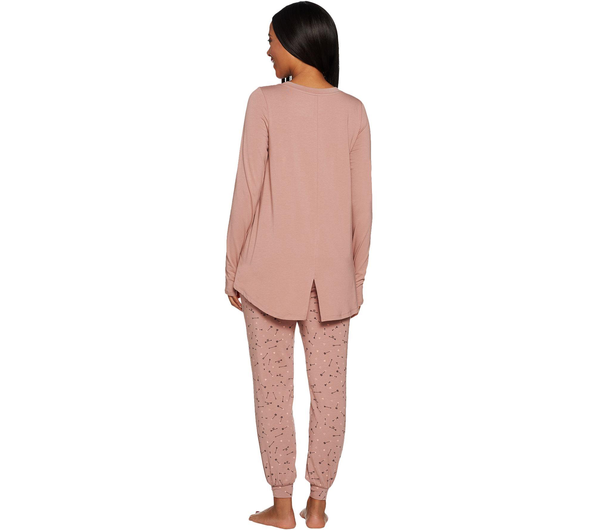 a2dfc0a345 AnyBody Loungewear Petite Cozy Knit Novelty Print PJ Set - Page 1 — QVC.com