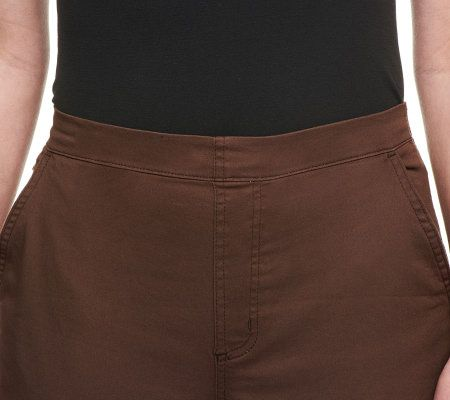 Denim /& Co Classic Semi-Fit Waist Stretch Flat Front Shorts White M NEW A89434