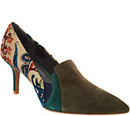 Lori Goldstein Collection Novelty Pumps with Goring Detail - A295772