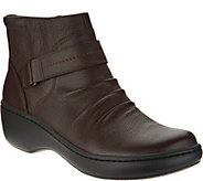 As Is Clarks Leather Lightweight Ankle Boots- Delana Fairlee - A308172