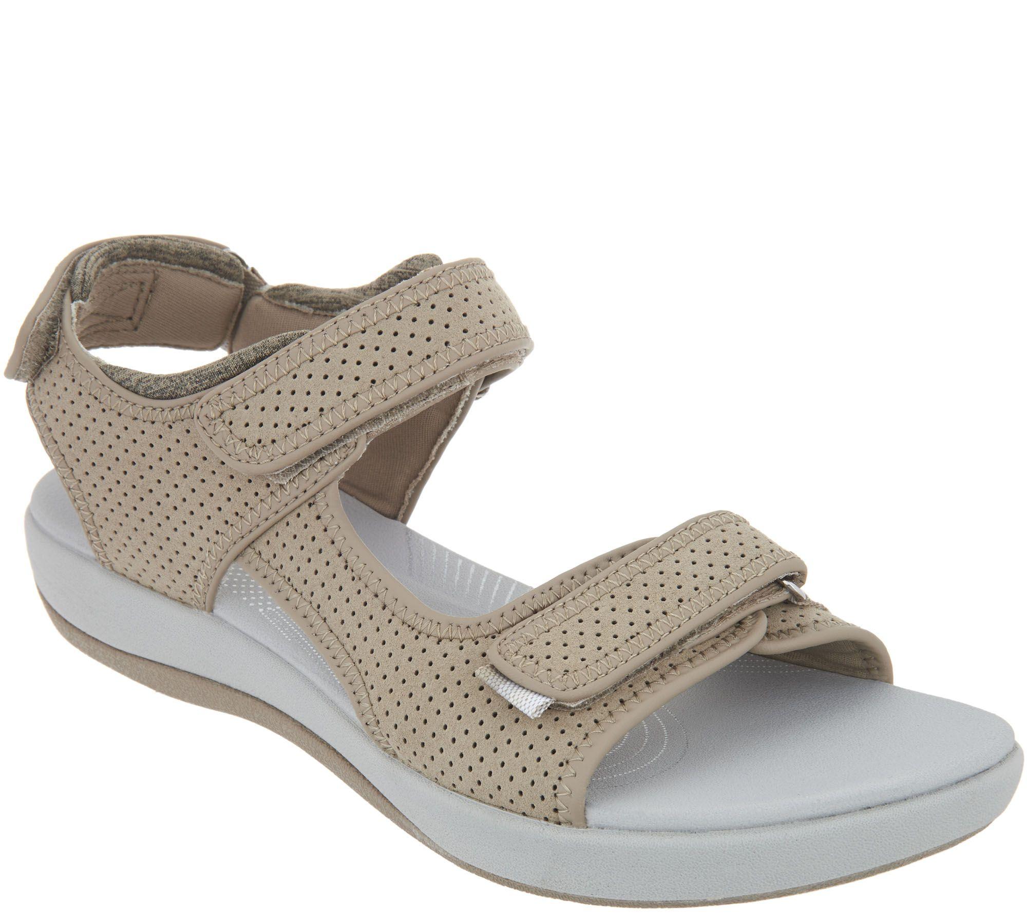 5f5768f5de3 CLOUDSTEPPERS by Clarks Adjustable Sport Sandals - Brizo Sammie - Page 1 —  QVC.com