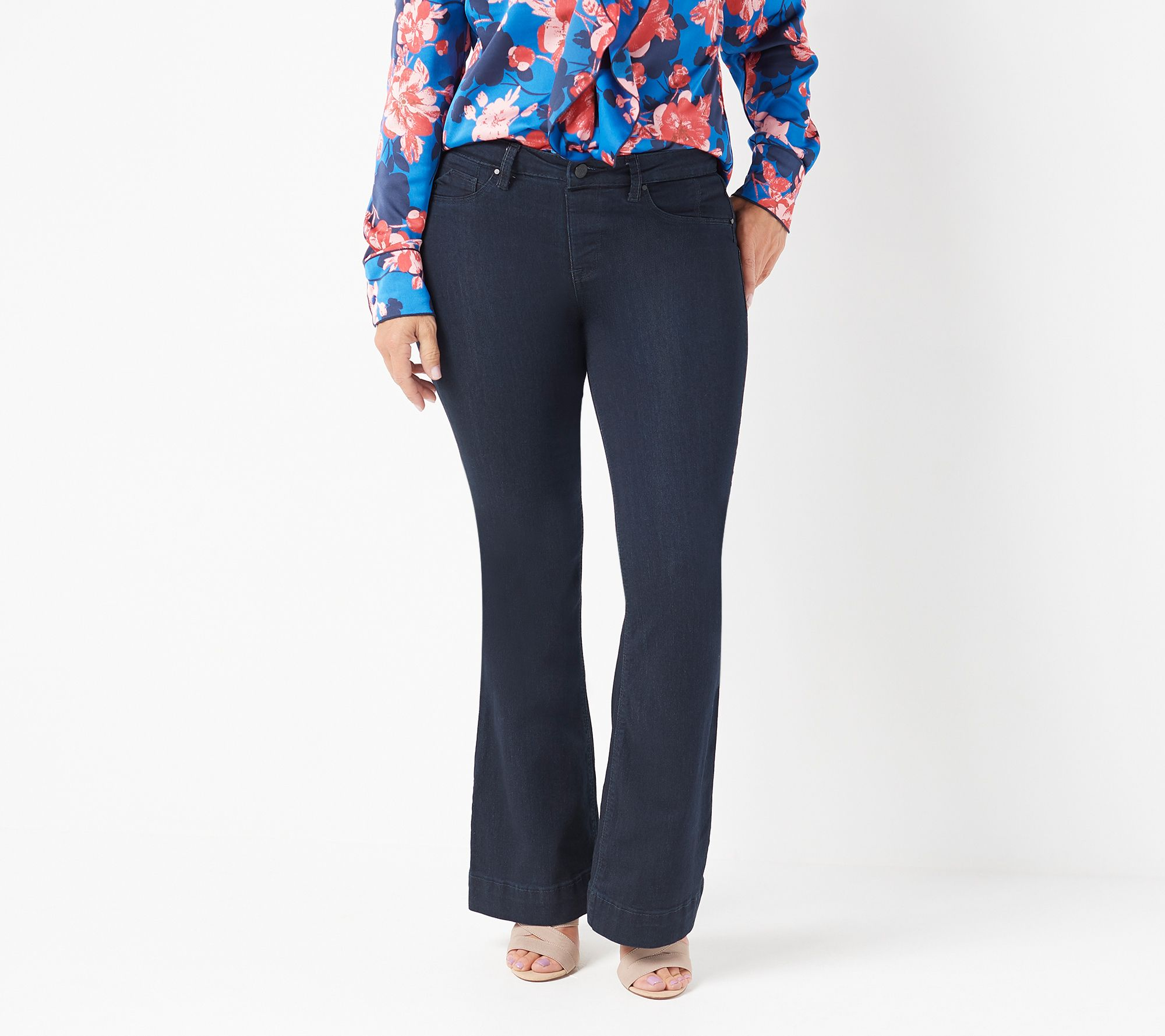 39d9d3e82fa7c Laurie Felt Petite Silky Denim Flare Pull-On Jeans - Page 1 — QVC.com